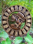 Calendar Mayan culture wooden on Mexico jungle — ストック写真