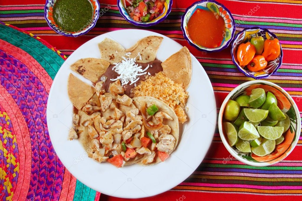 Chicken tacos Mexican style chili sauce and nachos — Stock Photo ...