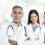 hospital doctor canas senior dos enfermeras — Foto de Stock
