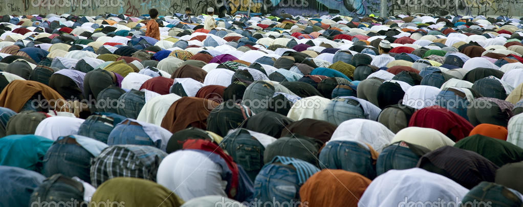 Moslems during a prayer en a holiday the Ramazan. — Stock Photo #5283351