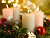 Advent wreath with a lighted candle — Stock Photo