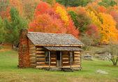 Cabin in Autumn — Stock Photo