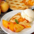 Peach Pie and Ice Cream — Stock Photo
