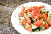 Tomaten-gurken-salat — Stockfoto