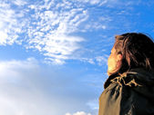 Girl gazing the sky — Stock Photo