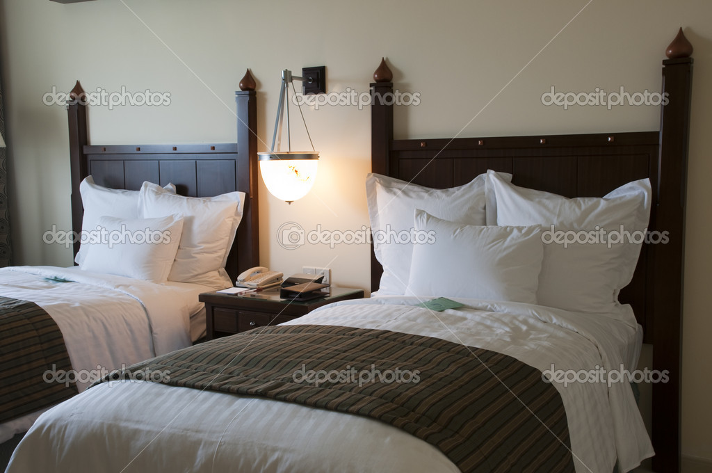 Bedroom and person in the luxury arabic hotel — Stock Photo #5267870