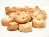Heart shaped puff pastry cookies — Stock Photo
