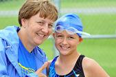 Mother Encouraging Swim Team Daughter — Stock Photo