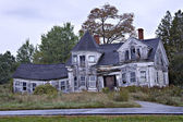Abandoned spooky old house — Stock Photo