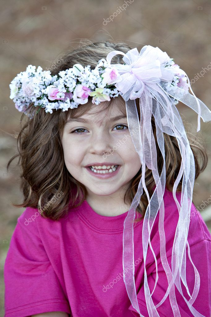 Beautiful Little Girls With Curly Hair Beautiful Little Smiling Girl