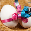 Boy and girl egg in a hat — Stockfoto
