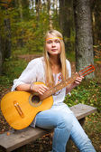 Ragazza di guitar player — Foto Stock