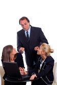 šéf se dvěma podnikatelka chatování namísto pracovní