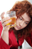 Fiatal nő az alkohol rabja