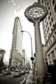 La vue grand angle du flatiron building à new york