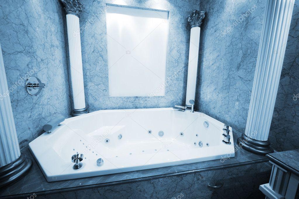 Größe Badewanne schöne große badewanne stockfoto igterex 4947743