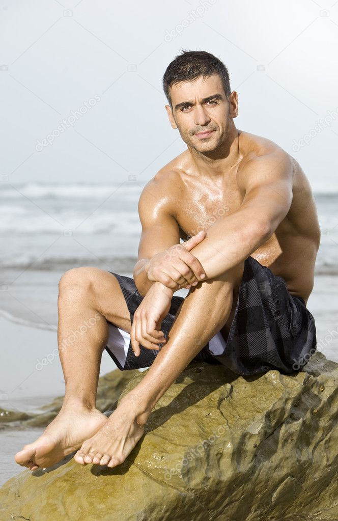 Ovako zamišljam osobu iznad  - Page 3 Depositphotos_4782933-stock-photo-sexy-man-beach