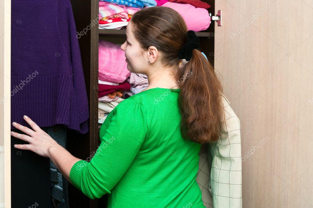 знакомство в шкафу