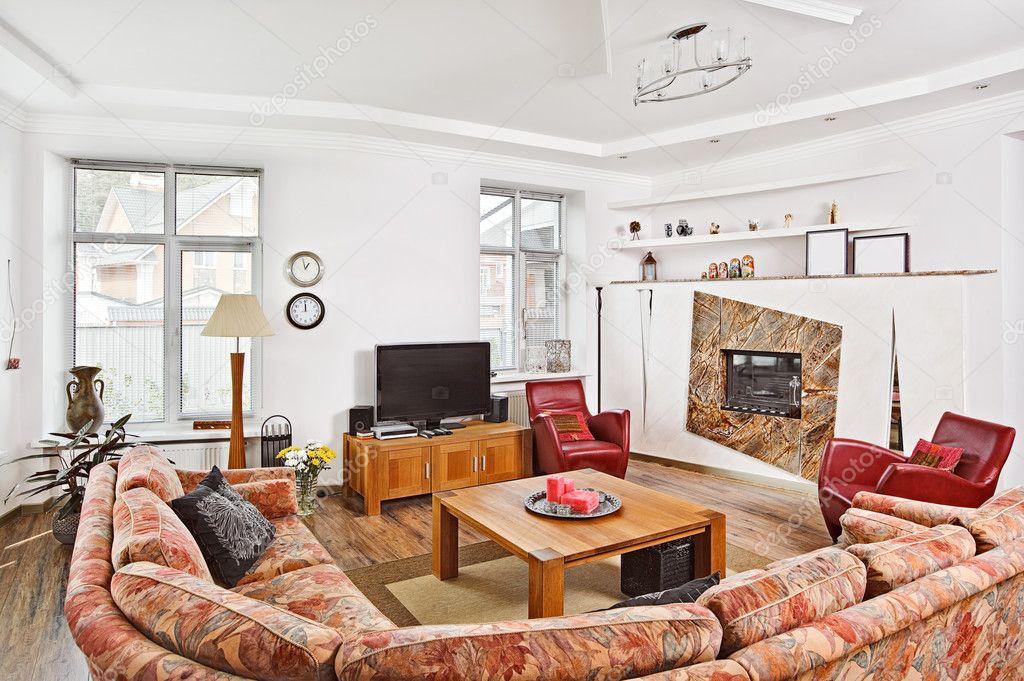 Interieur für die moderne Art-Deco Stil Salon mit Kamin und t ...