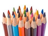 řada barevných tužek