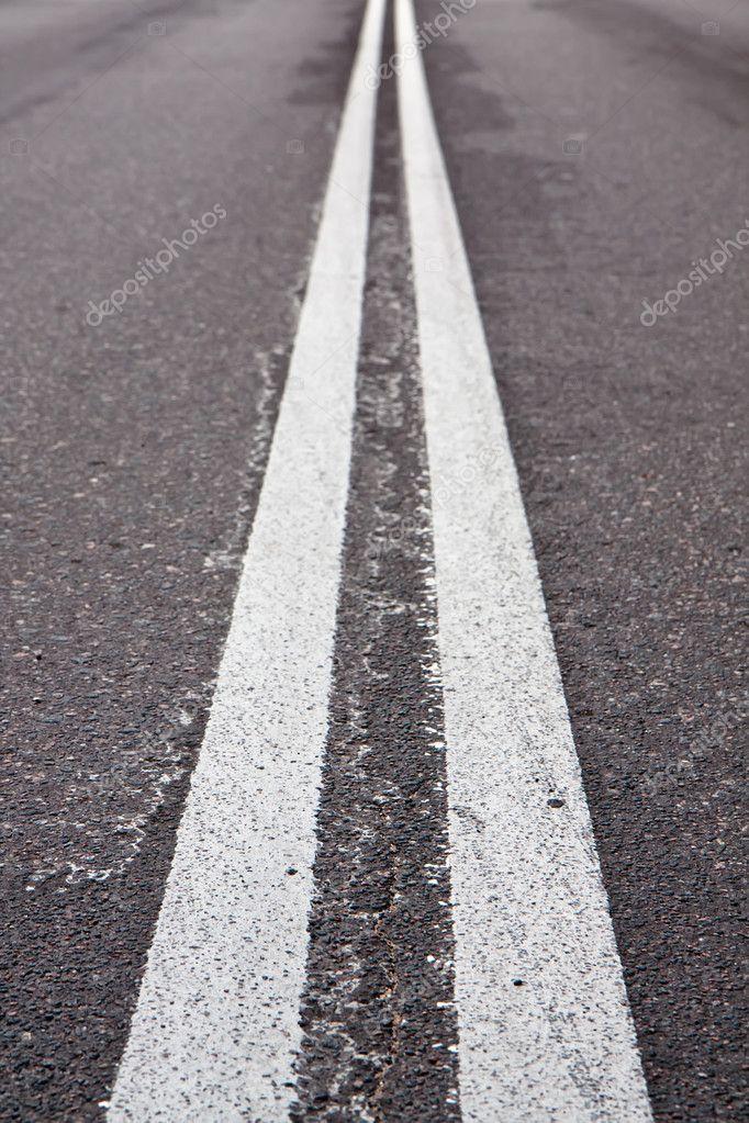 道路の白線などダブル — ストッ...