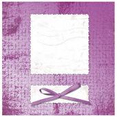carta grunge lilla in stile scrapbooking con fiocco