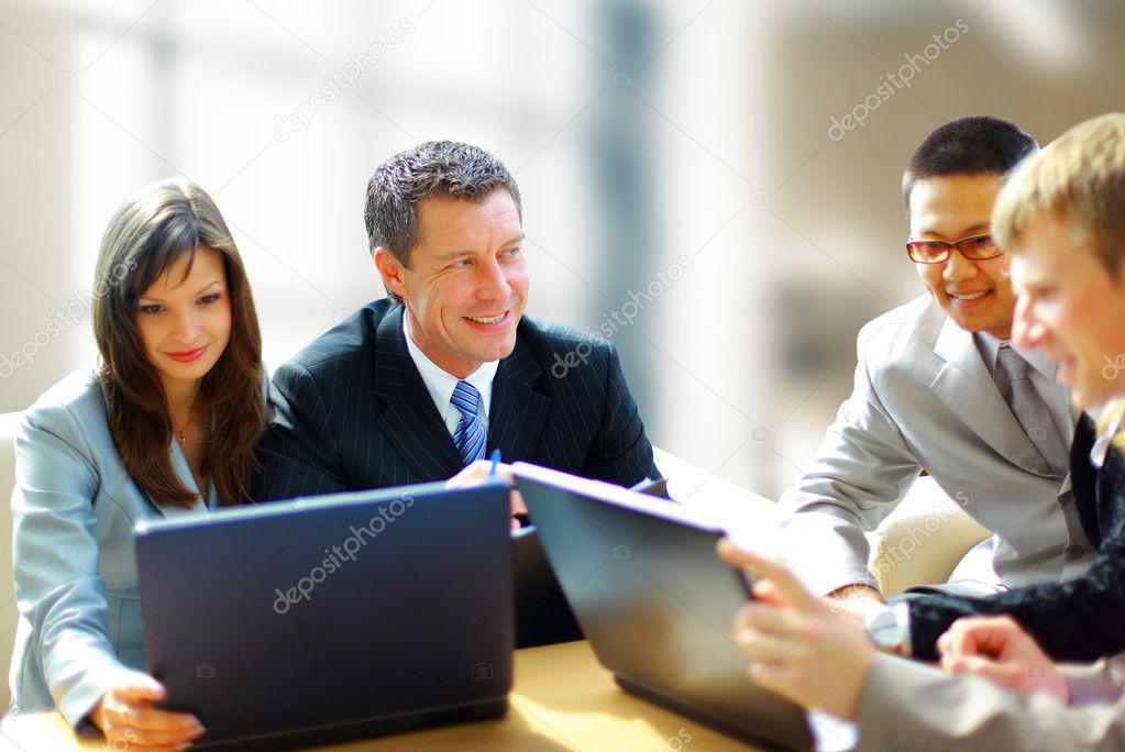 не могу общаться с коллегами по работе внутренние органы