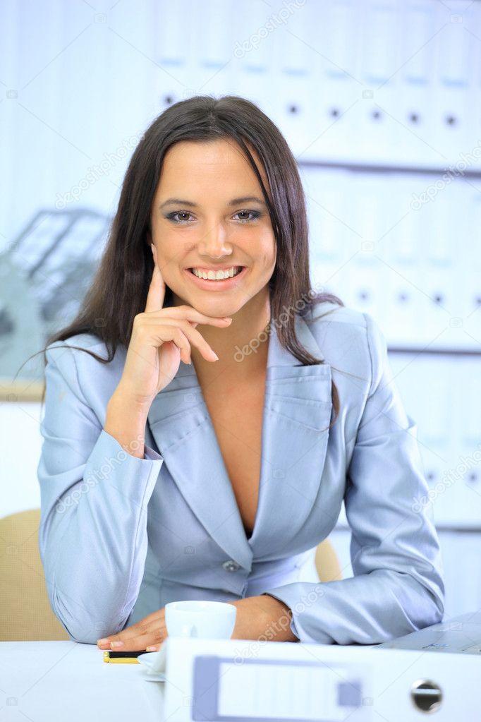 Красивые девушки в офисе фото 747-618