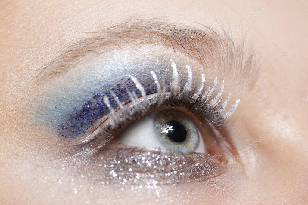 Oczy Makijaż Niebieski I Srebrny Blask Zdjęcie Stockowe Krivenko