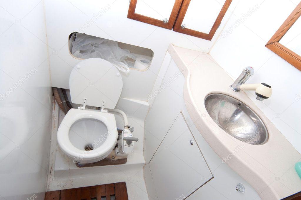 latrine en douche op zeilboot — Stockfoto © aragami12345 #4297896