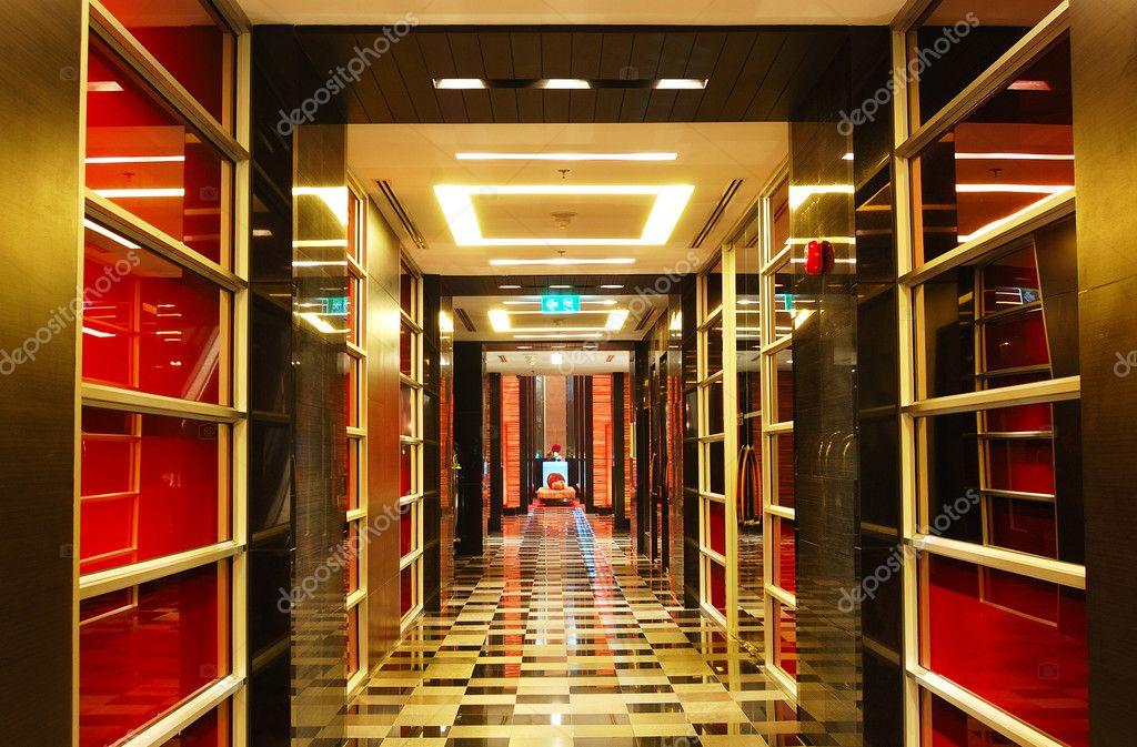 le couloir l 39 h tel de luxe moderne pattaya tha lande photographie slava296 4279765. Black Bedroom Furniture Sets. Home Design Ideas
