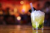 Fotografia cocktail con ghiaccio