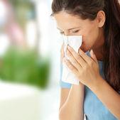 Teen frau mit allergie oder kalt