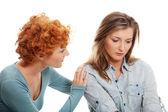 problémové mladá dívka utěšuje její přítel