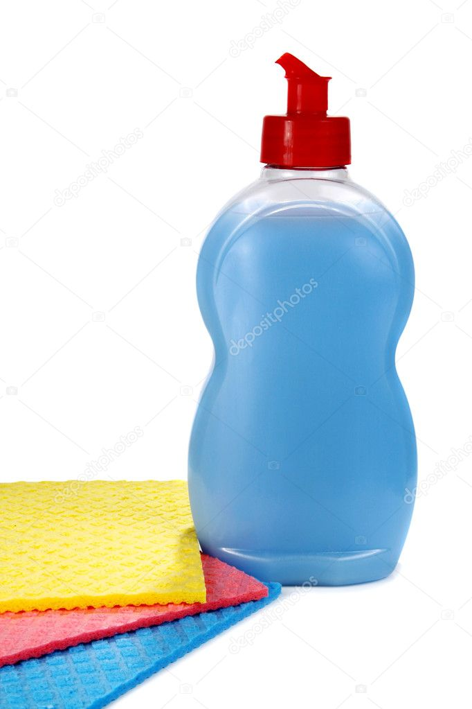 oggetti per il lavaggio e la pulizia in cucina — Foto Stock © kontur ...