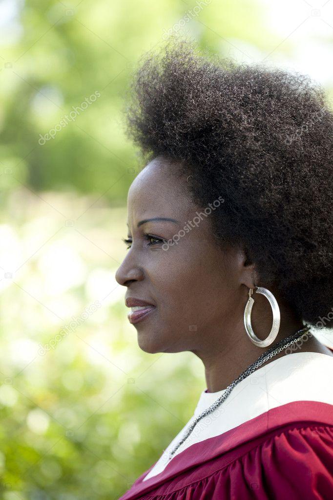 Негритянка женщина в профиль
