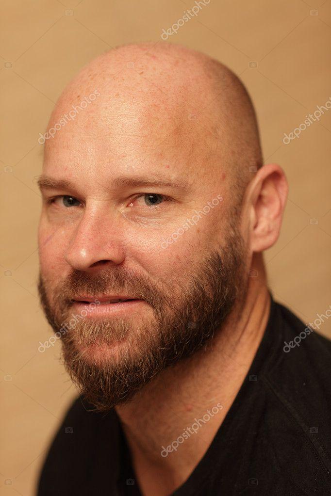 Glatze Mann Mit Bart Stockfoto Felixtm 5221653
