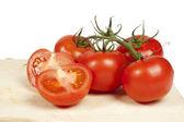 Fotografie čerstvá rajčata izolovaná na bílém