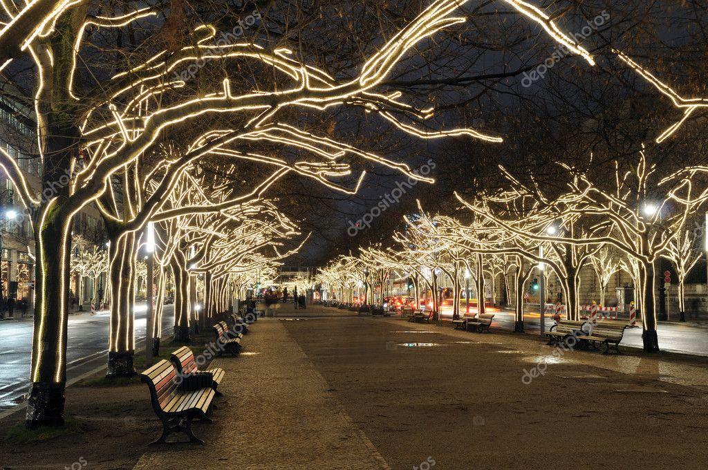 Unter Den Linden Weihnachtsbeleuchtung.Christmas Lights In Berlin Stock Photo Luna123 4330427