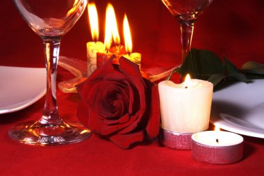 Romantic Dinner Table Arrangement