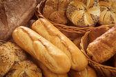 čerstvý chléb a pečivo