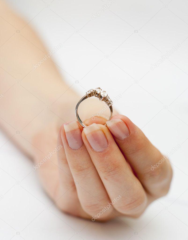 verlobungsring an welcher hand