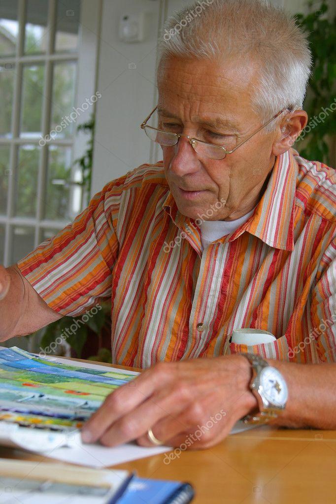 Yaşlı Adam Boyama Stok Foto Fotosmurf 4104743