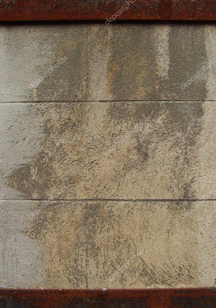 große Steinmauer mit rostigen Metall Rahmen — Stockfoto ...