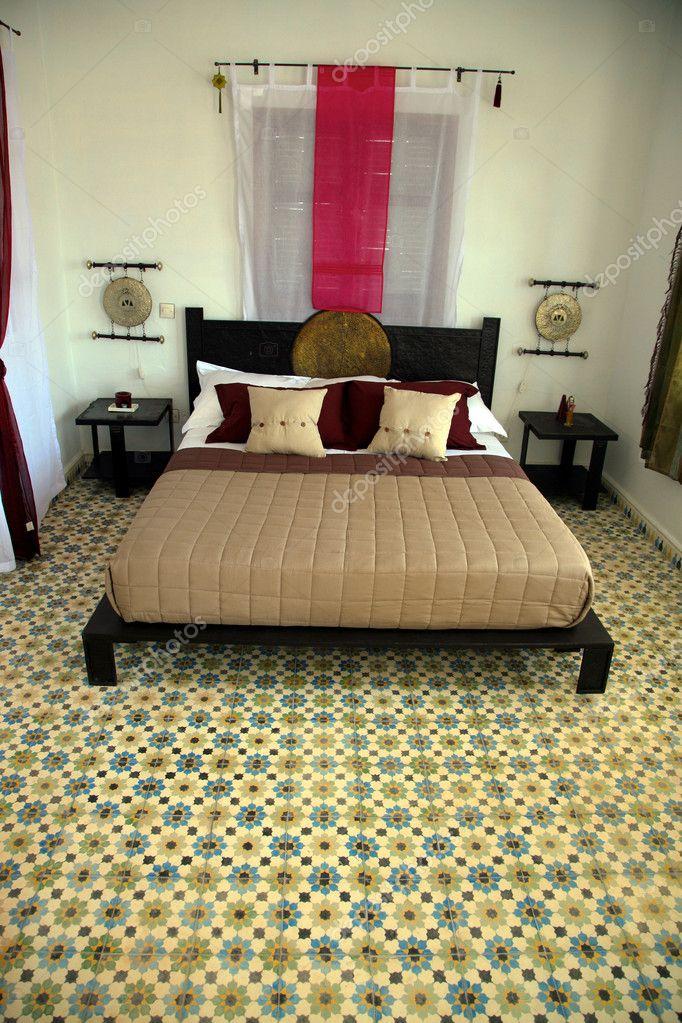 schöne authentische arabische Schlafzimmer — Stockfoto © piccaya ...