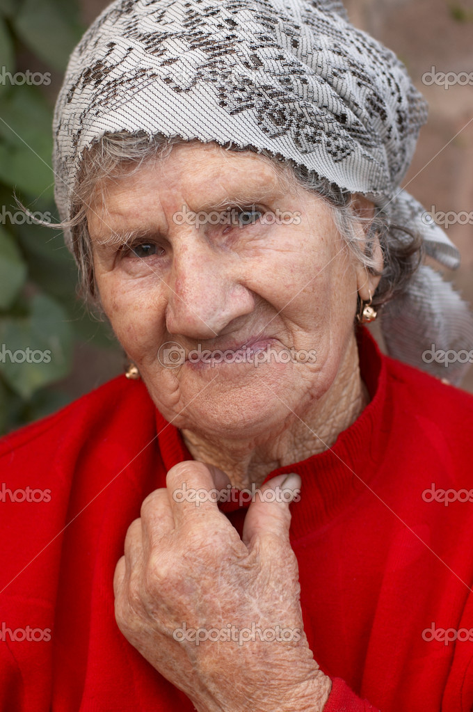 Пердолим старую бабу 1