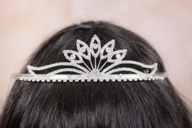 Beautiful tiara with artificial diamonds 5