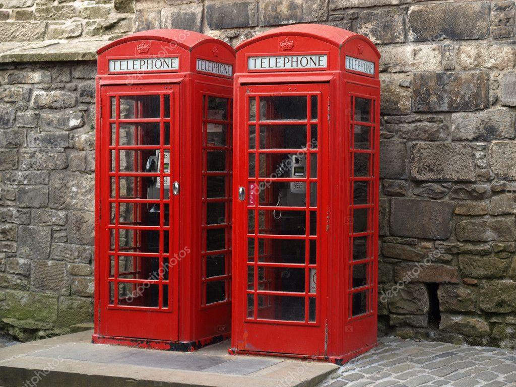 Foto Cabina Telefonica Di Londra : Cabina telefonica di rosso edifici di londra immagine stock