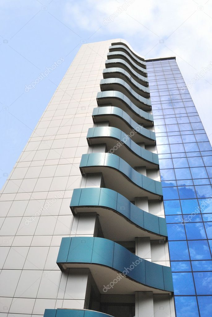 Фотообои на заказ - the wall of modern building with balconi.