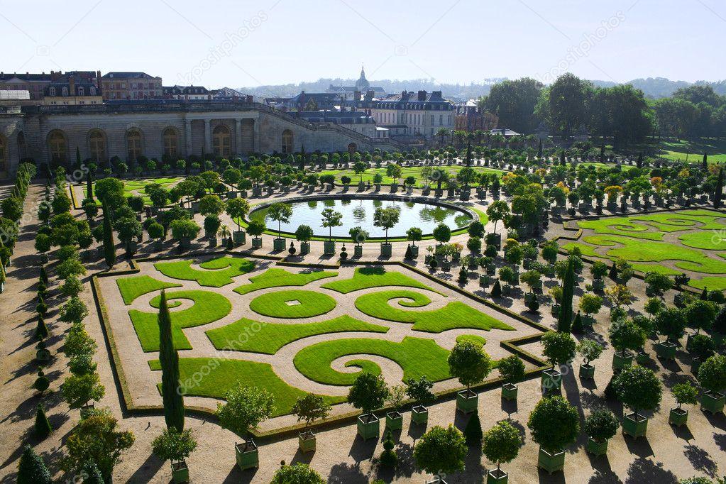 Neatly cut garden in Versailles